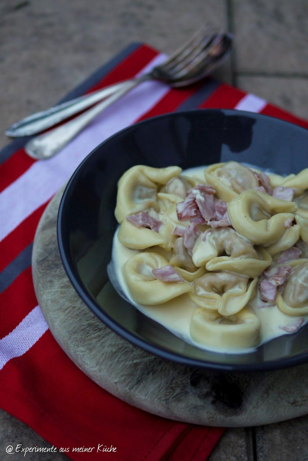 Experimente aus meiner Küche: Tortellini in Schinken-Sahne-Soße