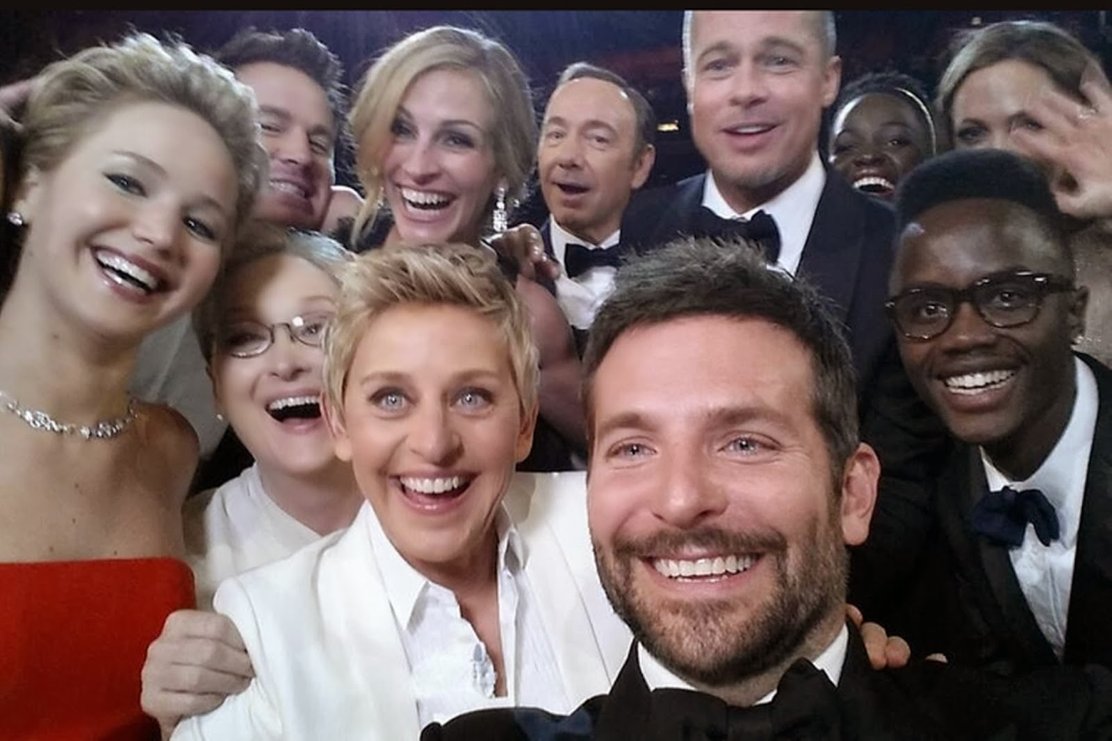 Ellen DeGeneres' Oscars 2014 'selfie' beats Obama pic for most re-tweeted