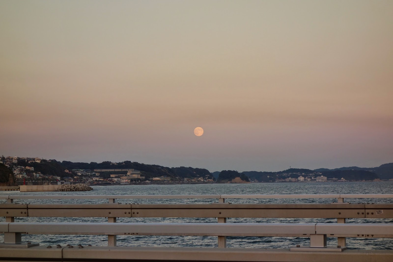 Kamakura Day trip Sep Enoshima moon rise