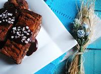 BROWNIES DE NUECES CON CHOCOLATE CON LECHE A LA CANELA