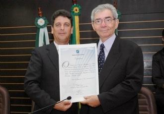 UFRN outorga título de Professor Emérito a Liacir dos Santos Lucena