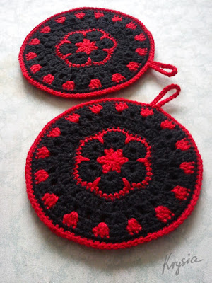 szydełkowe łapki kuchenne afrykański kwiat czarno-czerwone