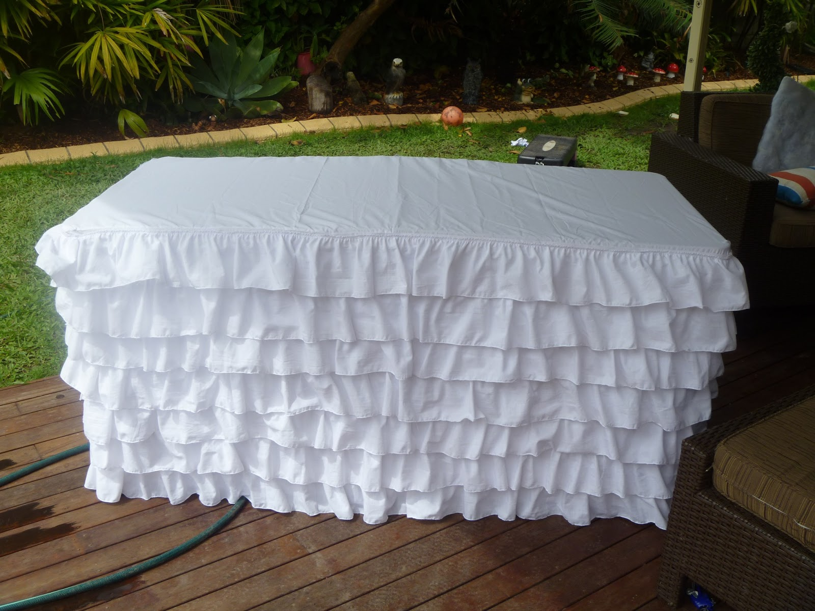 Forever Busy Mum: Making A Table Cover for a Trestle Table Ruffled Tablecloth