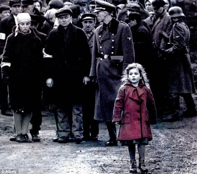 La niña del abrigo rojo de la lista de Schindler hoy