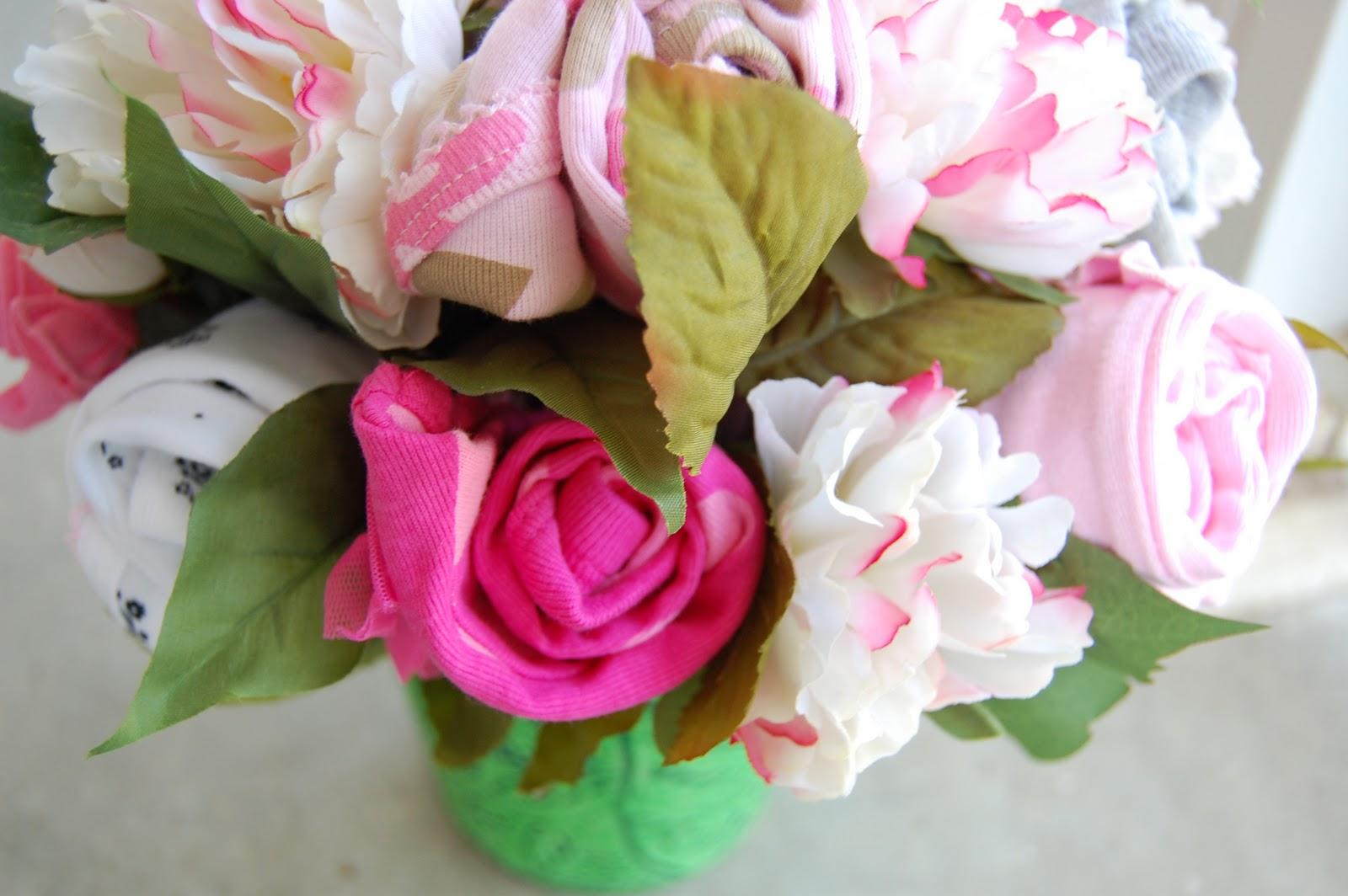 Prettysweet baby shower onesie bouquets baby shower onesie bouquets izmirmasajfo