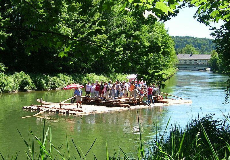 Gambar transportasi gambar rakit alat transportasi air for Jardin anglais munich surf