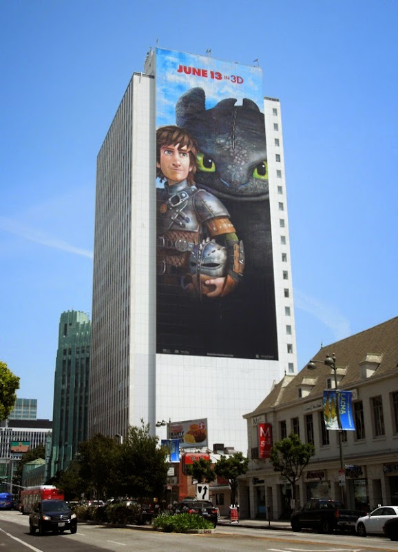 Giant How to Train Your Dragon 2 billboard