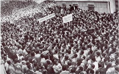 1 Δεκέμβρη1960 - Η μέρα που ξήλωσαν τα πεζοδρόμια