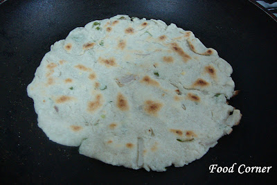How to make Sri Lankan Pol Roti (Coconut Roti/Sri Lankan Flat Bread)