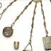 Chatelaines, accessoires du 18e et 19e siècle