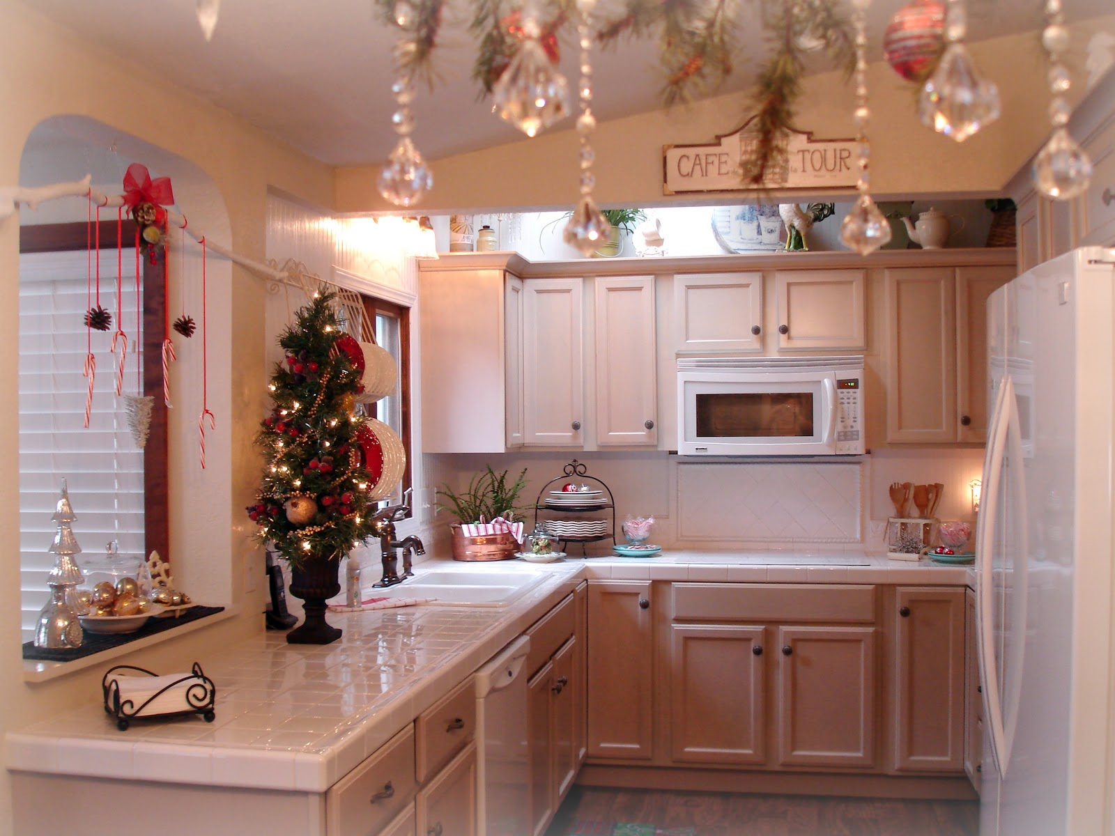 Christmas kitchen decor - Welcome To Our Kitchen