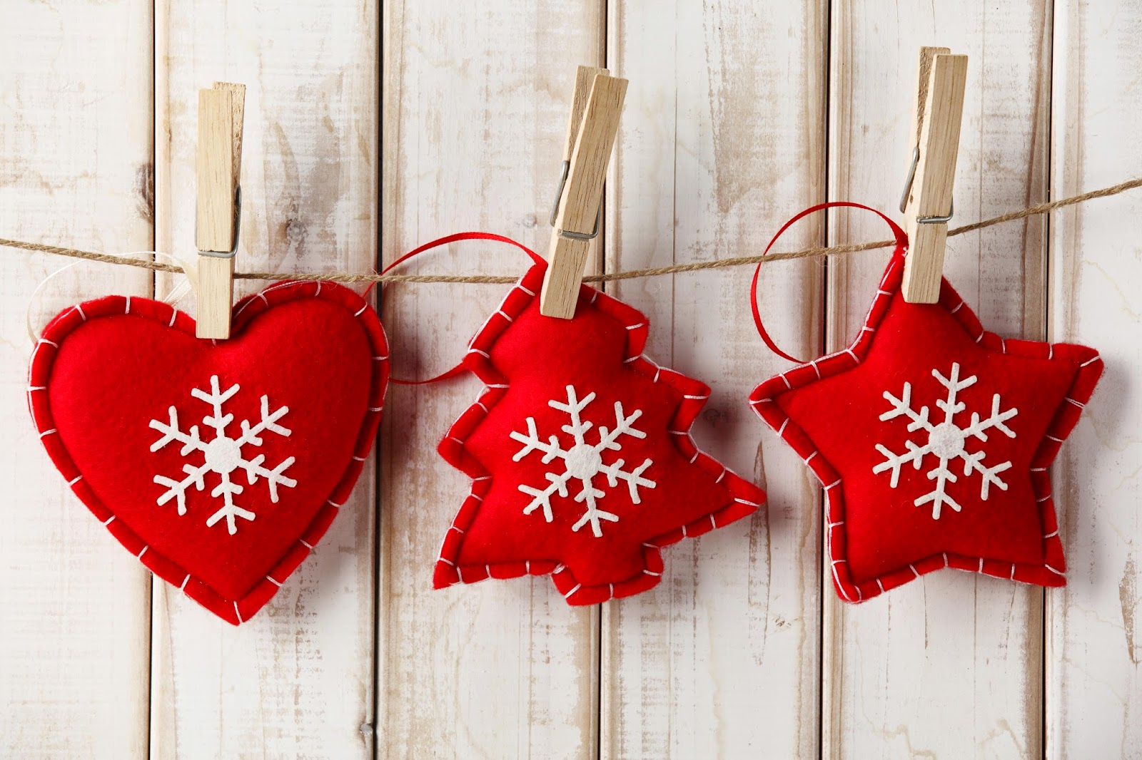 HD Holidays Christmas Toys Heart Snowflakes Wallpapers