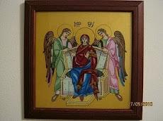 Maica Domnului pe tron