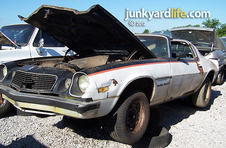 1975 Camaro Rally Sport Rock Star In A Tuxedo Finds Drugs Jesus And The Junkyard