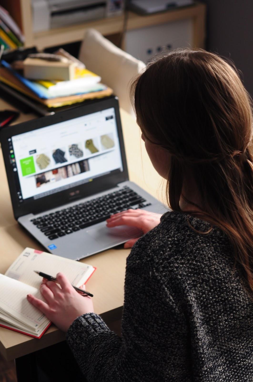 lumpeksowe stylizacje zakupy w lumpeksie przez internet 39 39 ciucholandia 39 39. Black Bedroom Furniture Sets. Home Design Ideas