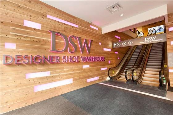 Designer Shoe Warehouse em Nova York | Sapatos