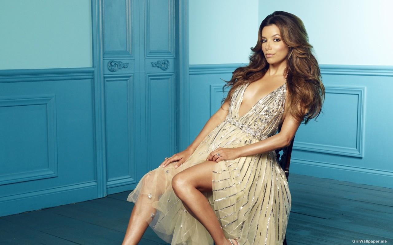 http://3.bp.blogspot.com/-VhcPJ5FdmpY/Twy553CtOxI/AAAAAAAAEek/smk0_9Y_sSE/s1600/Eva-Longoria-Sexy-Braless-Dress.jpg