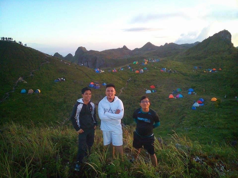 osmeña peak to kawasan traverse date with nature caption this