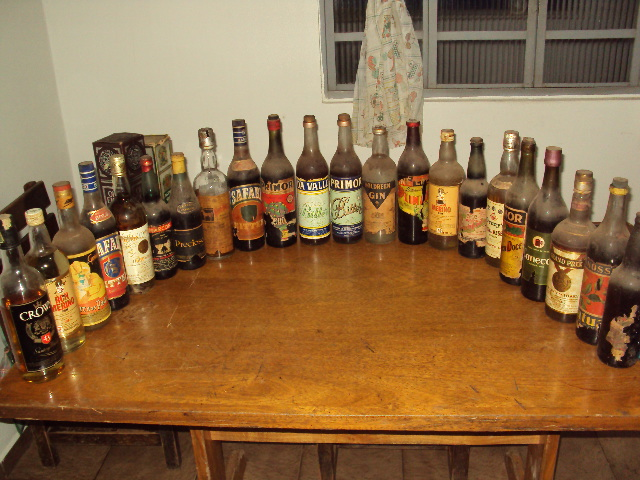 http://3.bp.blogspot.com/-VhhdUe7U59E/Tgpexe1FR3I/AAAAAAAAFTI/EM4wvHz9K_M/s1600/bebidas%2B001.JPG