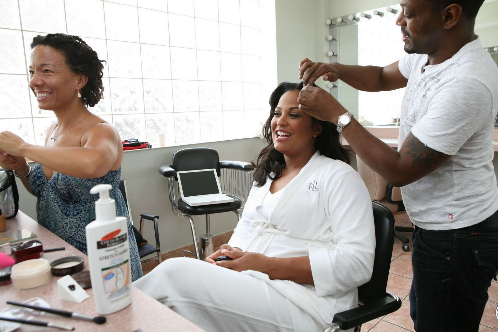 laila ali pregnant pics%252B1 ... advertising shoot for Palmer's Cocoa Butter Formula pregnancy products.