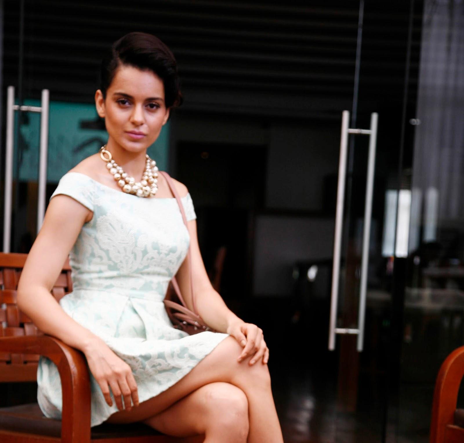 http://3.bp.blogspot.com/-Vhl-7zEF0ro/UislFlsSEuI/AAAAAAAAblU/lurQGzwdwdM/s1600/Kangana+Ranaut+Launches+Her+Website+(1).JPG