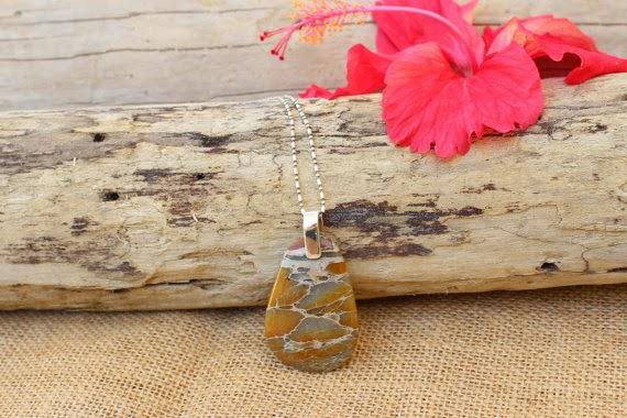 https://www.etsy.com/nz/listing/197003134/variscite-pendant-australian-gemstone