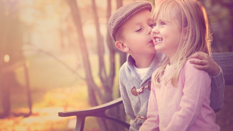 Girl And Boy Cute Kiss Latest Wallpaper Stylish Dp S