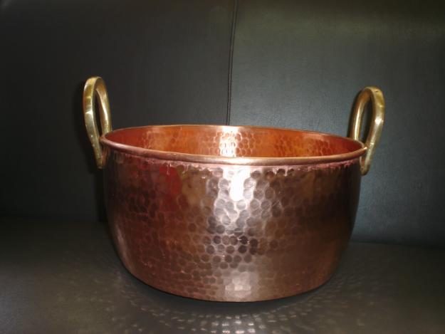 Restaura es dom moleiro limpando objetos de cobre - Objetos de cobre ...