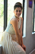 Taapsee Pannu glamorous photos-thumbnail-20