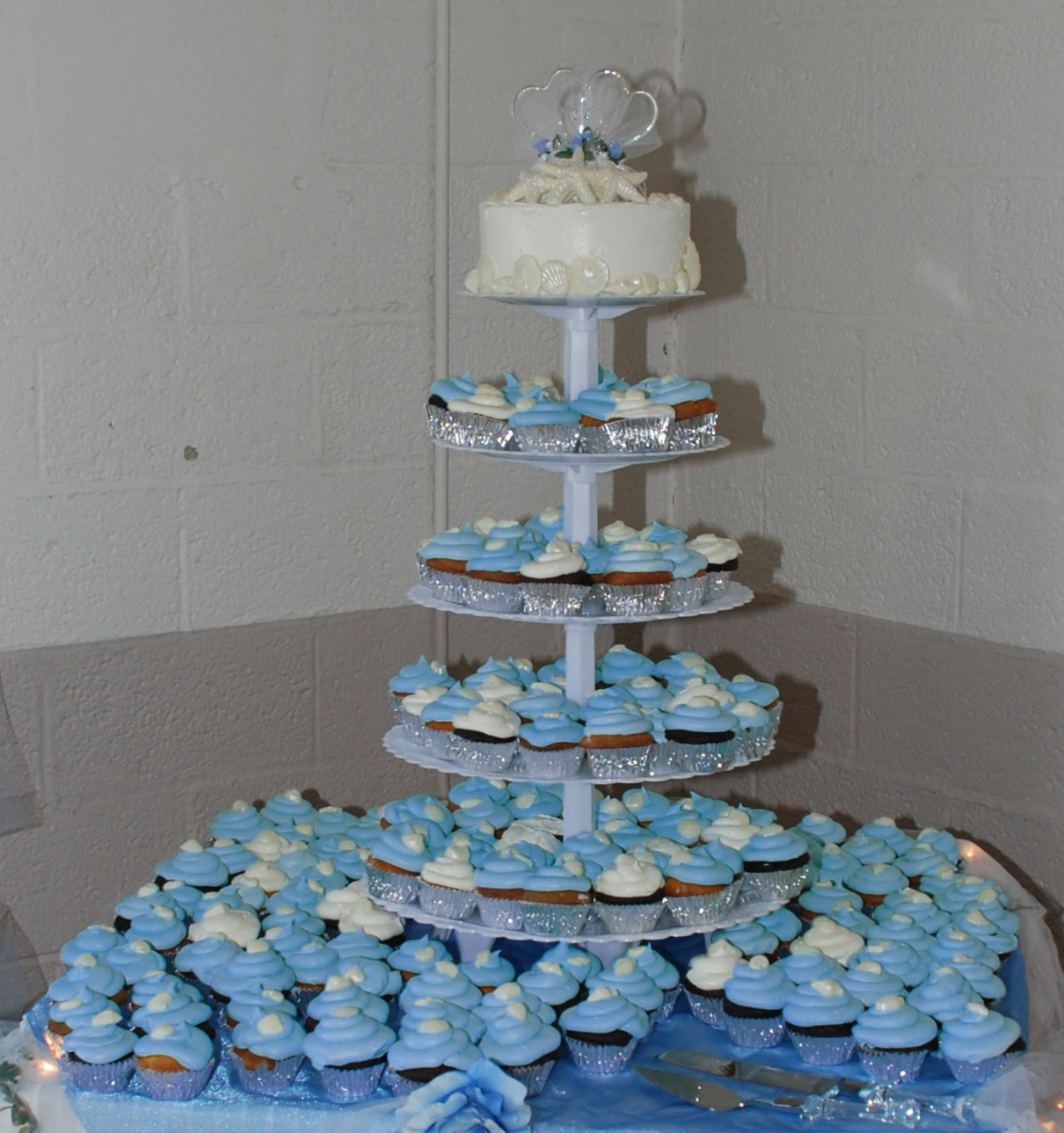 Lovely Blue colored Wedding Cupcakes Wedding Cake Designs