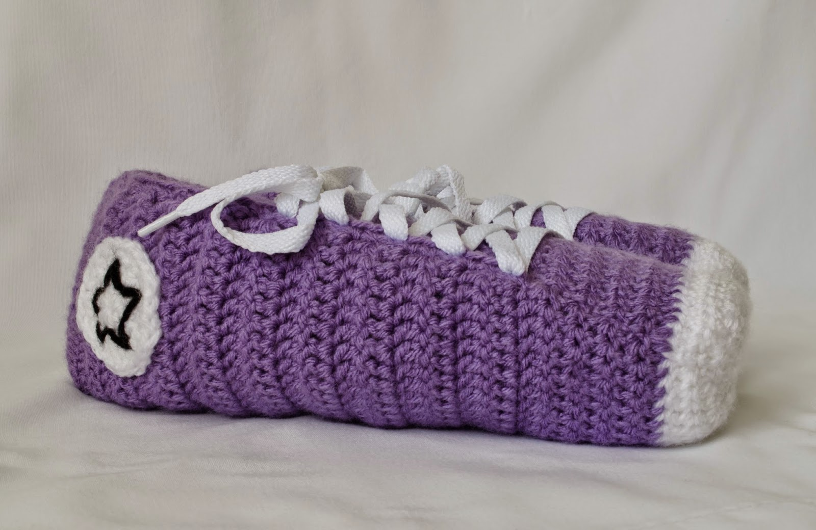 Crochet Pattern For Converse Slippers : Make ALL The Things!: Converse Slipper Crochet Pattern