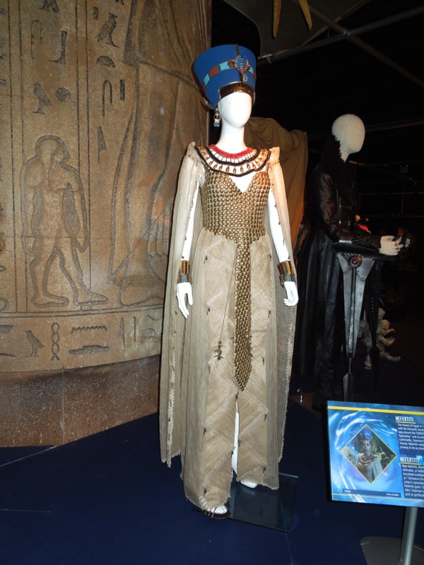 Queen Nefertiti costume Dinosaurs on Spaceship Doctor Who