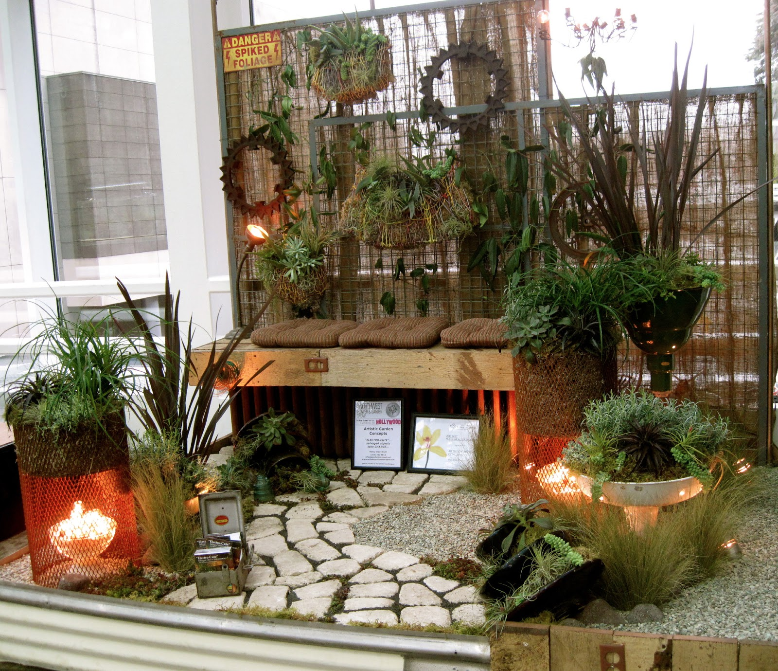 Bonney Lassie: The NWFGS Small Space Showcase
