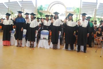 UASD-San Juan gradúa 163 nuevos profesionales