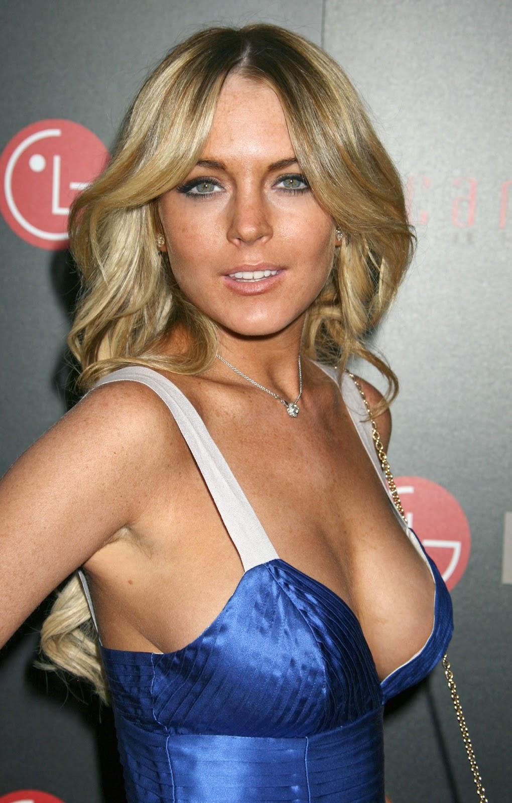 Cleavage Lindsay Lohan nudes (27 pics), Feet