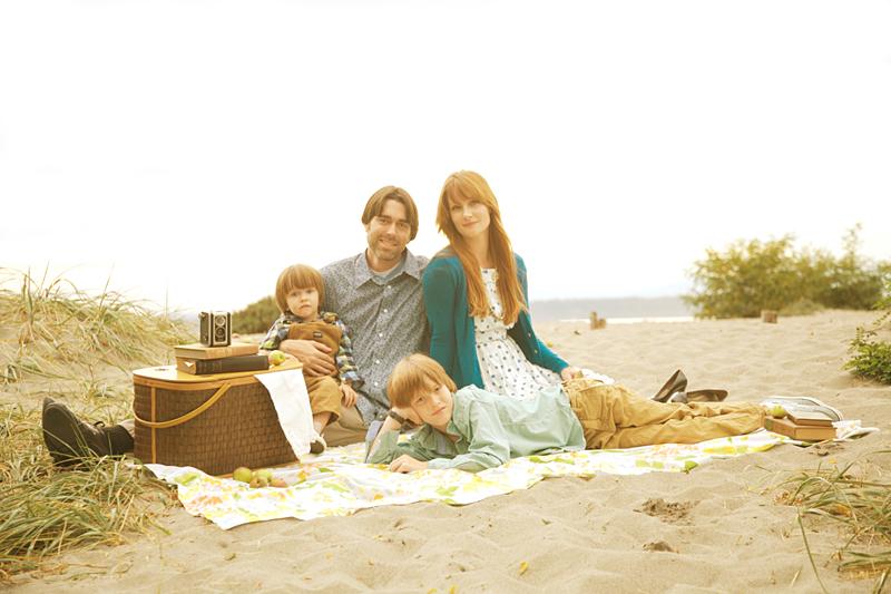 Vintage inspired family photograph • 29 september 2011