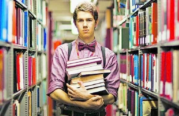 Cai por terra o estereótipo do bibliotecário