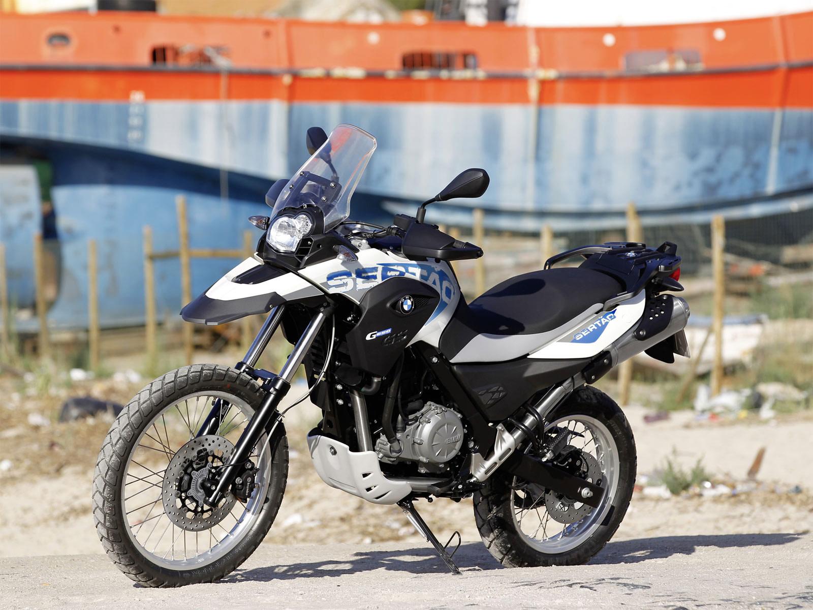 http://3.bp.blogspot.com/-VipDKJ-U1f4/To1jm9l2eAI/AAAAAAAAFK0/E45g6r0eni4/s1600/G650GS_Sertao_2012_BMW_desktop-wallpapers_04.jpg