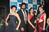 Tapsee Pannu, Kajal Agrawal walks the Ram at Indian International Jewellery Week 2013