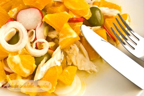 Ensalada de naranjas con bacalao y rabanillos