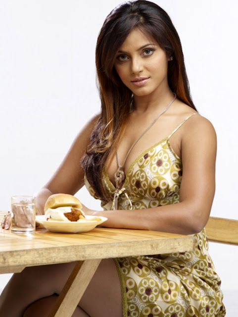 Neetu Chandra Hot Stills