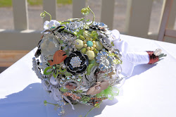 DIY Vintage Brooch Bouquet