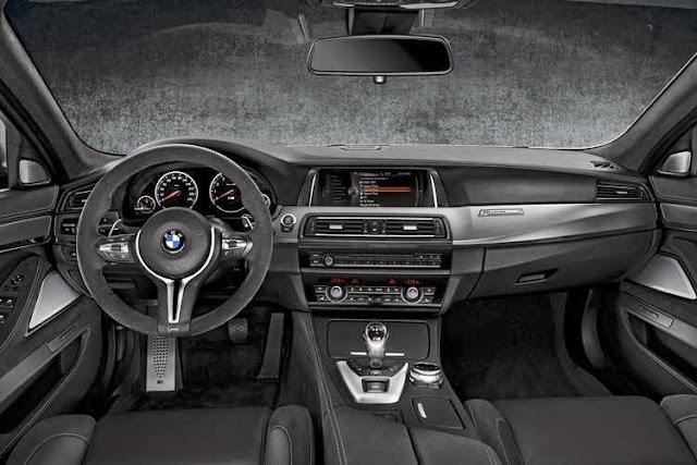 Dashboard BMW 30 Jahre M5
