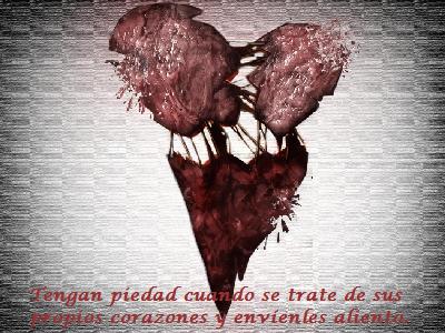 Hay quienes sienten que en sus vidas cargan un collar de corazones rotos.