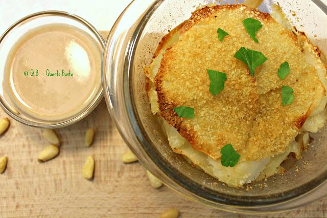 Q.B. - Quanto Basta.: Torrette di patate e baccalà con salsa di pinoli e acciughe