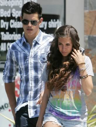 Is taylor lautner dating anyone june 2012