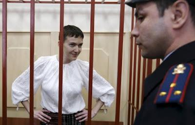 Надія Савченко, яка незаконно утримується в російській в'язниці, привітала українців з новорічними святами.