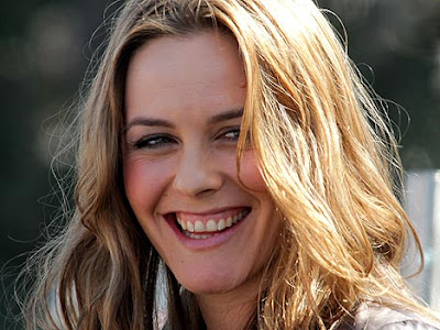 Alicia Silverstone Wiki & Pictuer