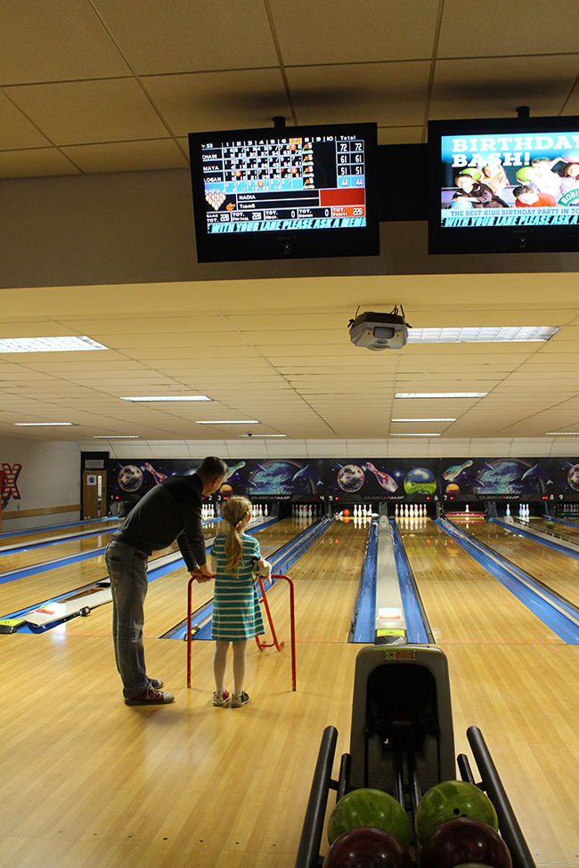 bowling-with-daddy-six-little-big-girl-todaymyway