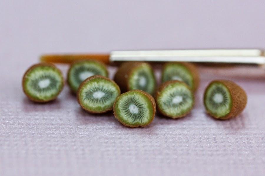 New Take on Miniature Kiwis, Stephanie Kilgast